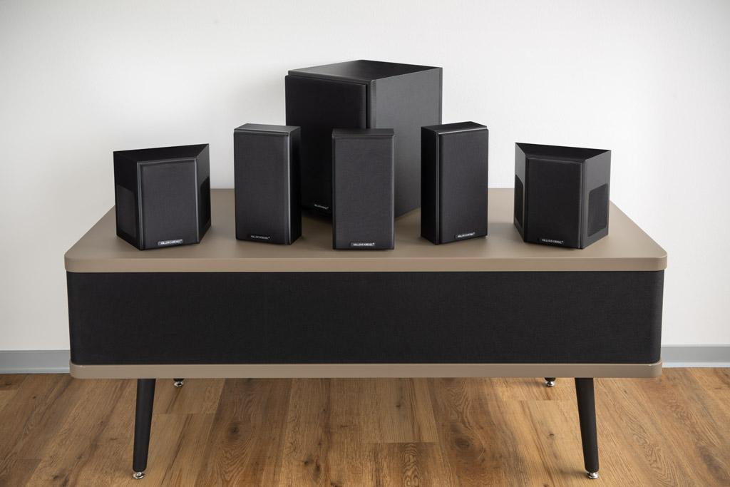 Кинотеатральная surround-система 5.1 от компании M&K Sound удостоилась множества комплиментов от экспертов немецкого журнала Lite